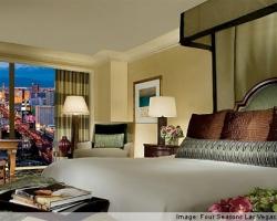 las-vegas-hotel-suites.jpg