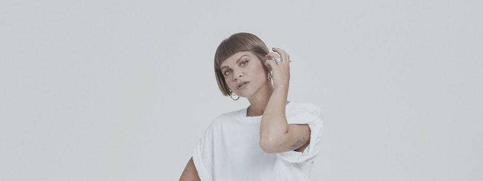 """ALESSANDRA AMOROSO: da oggi in radio e in digitale il nuovo singolo """"TUTTE LE VOLTE"""